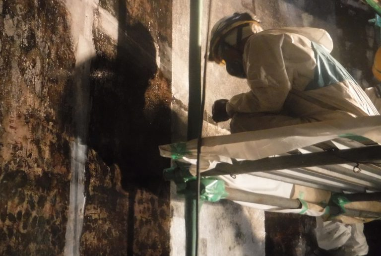 貯水槽・貯湯槽 FRPライニング積層